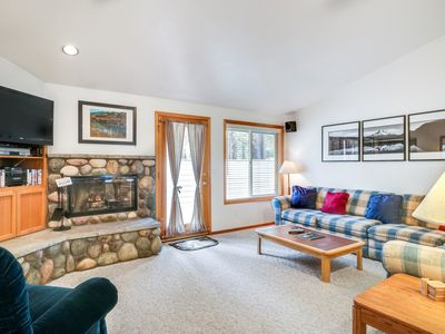 Photo for Single-level home w/ private hot tub, big deck, near attractions!