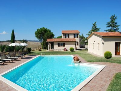 Photo for Villa with private pool in Val d'Orcia
