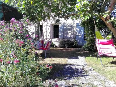 Photo for Charming family house by the river in Port d'Envaux.