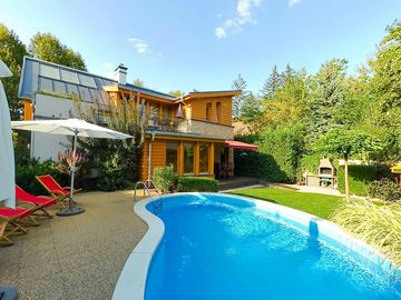 Quality apartment house with pool and sauna, a few minutes from the beach - Wohneinheit 2064315