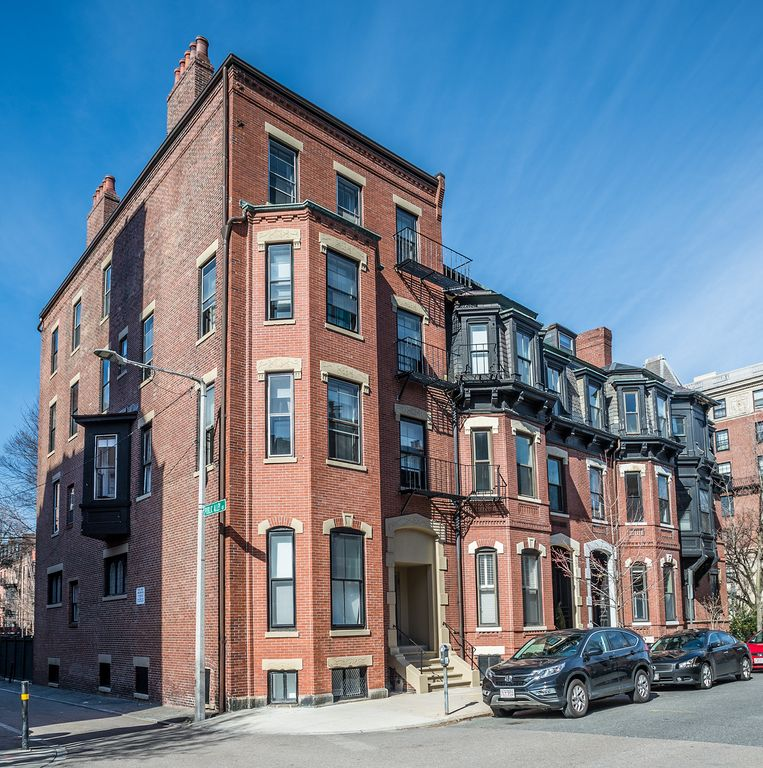 14 Gloucester 1B by Lyon Apartments