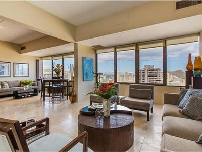 Photo for Penthouse w/ stunning city view - Full Kitchen, Complex Gym, Pool