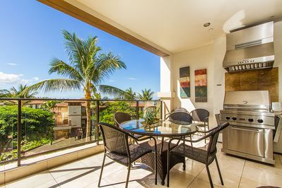 Enjoy relaxing and cooking on the lanai