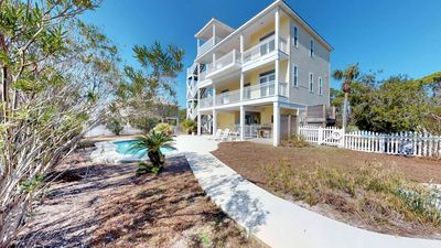 """Photo for Ready now - No storm issues! FREE BEACH GEAR! Pets OK, Pool, Hot Tub, Fireplace, 3BR/3.5BA """"Sea N' Double"""""""
