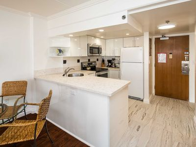 Ilikai 1721 City / Mountain Views King Bed, 2 double beds after 6/19/20