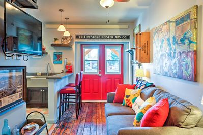 Fall in love with this newn Livingston vacation rental studio.