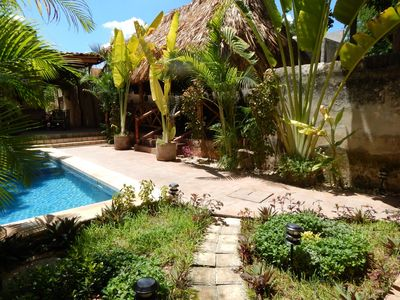 Pool and Breakfast Palapa