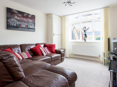Photo for Luxury 2BR apartment 500m from beach and close proximity to New Forest