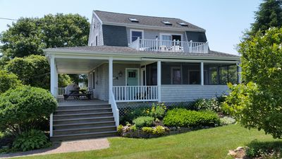 Family Friendly Beautifully Renovated Waterview Home