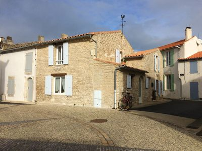 Photo for Old house in a charming hamlet on the Ile de Ré near the Lighthouse des Baleines