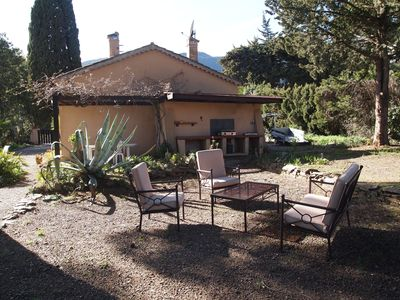 Photo for Provencal house, quiet on fenced plot of 1000m2.