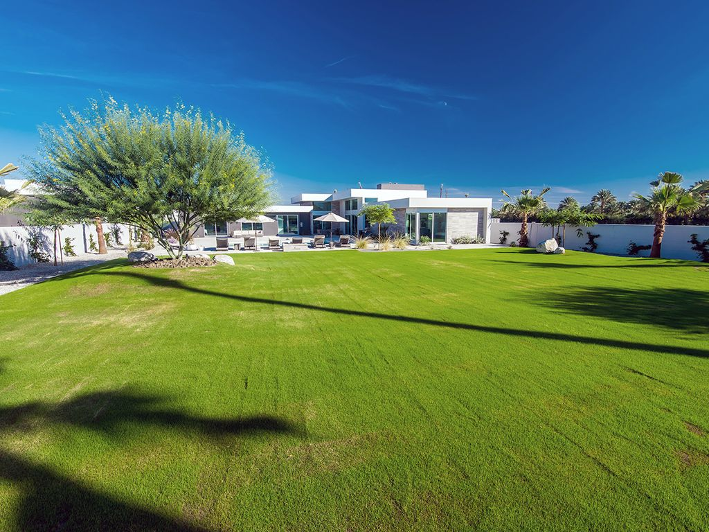 Luxury 5 Bedroom Estate Home-Next to Polo Grounds