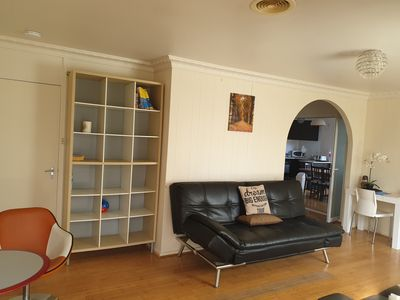 Spacious 6 BR house, Central Location, Free Wifi, clean linen provided