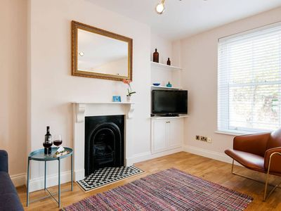 Photo for Light and bright Notting Hill/Bayswater apartment
