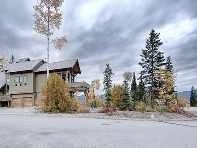 Photo for Gorgeous Ski-In/Ski-Out Timber Frame Chalet - Best Views At KHMR