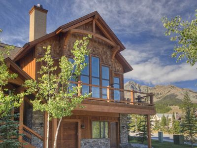 Photo for Stunning Townhouse, Private Hot Tub, Ski Access. Walk To Resort Base Activities!