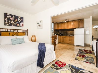 *Professionally Sanitized*Beautiful Condo by the Sea Close To Amazing Beaches