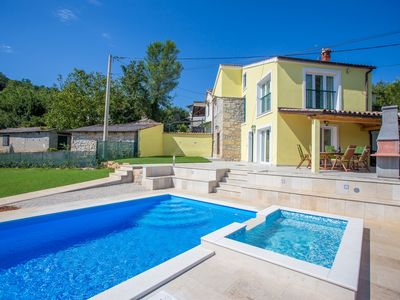 Photo for Holiday house Brkač for 6 persons with 3 bedrooms - Villa