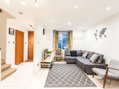 Photo for 6BR House Vacation Rental in London, England