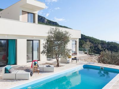 Photo for ctma109 /Villa with private pool in Makarska, for 8 persons, 4 bedrooms, 4 bathrooms, gym room