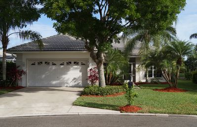 Beautiful Lely Neighborhood with a secure garage and opener for your car
