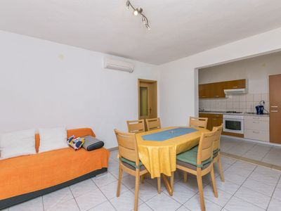Photo for Apartments Mate (42311-A1) - Bol - island Brac