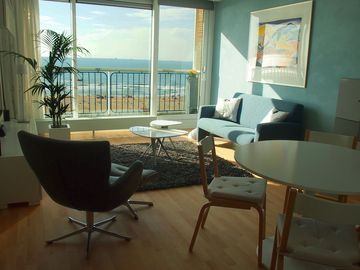 Luxurious apartment, 30 meters from the sea, 2 rooms with 180 degree panoramic view!