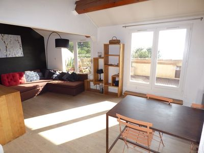 Photo for Contemporary 2 bedroom apartment with stunning sea views.