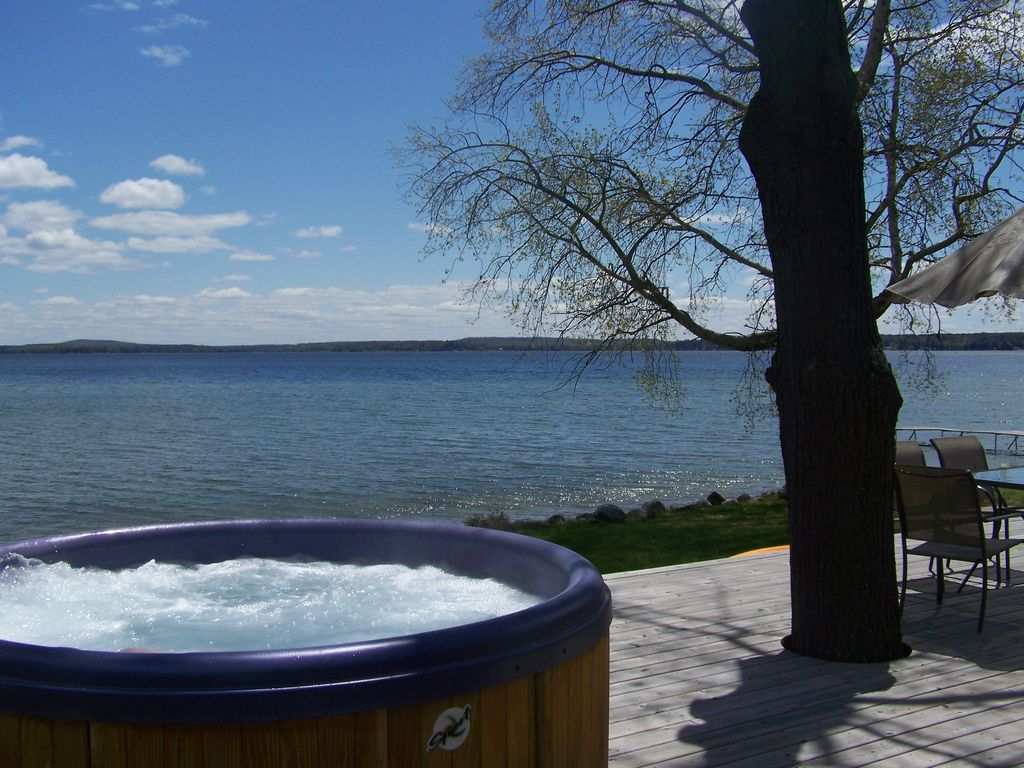 mullett lakeshore cottage w outdoor hot tub vrbo