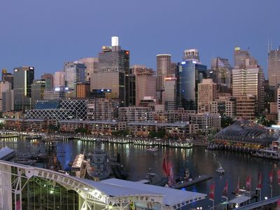 Photo for Apartment in the middle of Sydney with Skyline u. Darling Harbor Views, Free Wifi