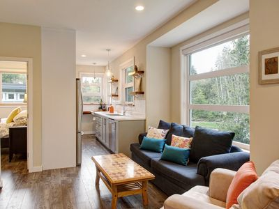 Photo for Modern Guesthouse on Galloping Goose close to Sooke Potholes