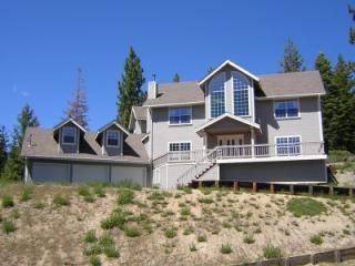 Photo for 5BR + Large Hot Tub Montgomery Estates Lake Tahoe House in South Lake Tahoe
