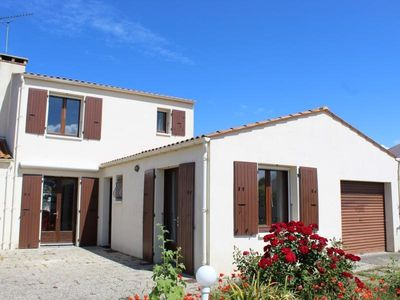 Photo for Villa Saint-Pierre-d'Oléron, 3 bedrooms, 8 persons