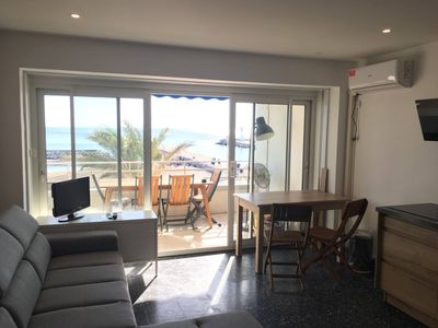 Photo for Studio facing the sea with terrace and direct access to the beach and the Grau-du-Roi center