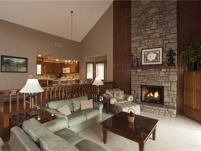 Photo for MAGNOLIA 4 WPM: 3 BR / 3 BA 3 bedroom condo in Blowing Rock, Sleeps 8
