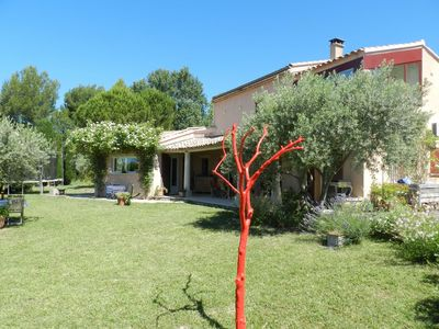 Photo for Bédoin, village and quiet villa 3 bedrooms, garden, private pool