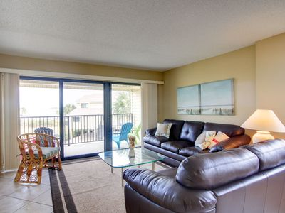 Photo for Cozy Condo ~ Steps to the Bay and Close to the Beach~ Private Balcony
