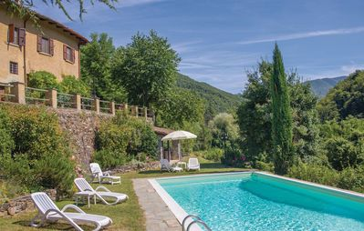 Photo for Private Villa with WIFI, private pool, TV, pets allowed, panoramic view, parking, close to Florence