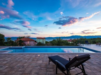 Photo for One Bedroom Apartment with sea view and heated pool