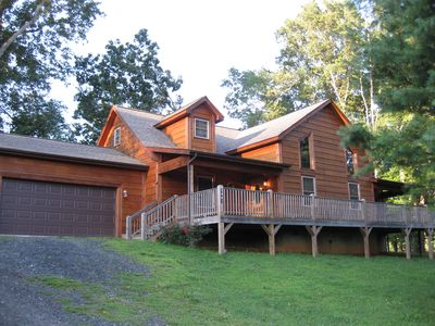 River Ridge Mountain cabin, sleeps from 1-10 with comfort!