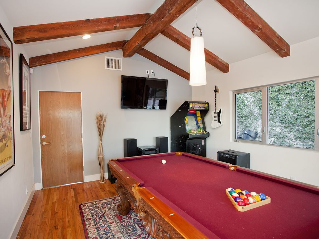 Mulholland Rock Star Retreat with Ocean Views, Pool, Hot Tub, and Game Room