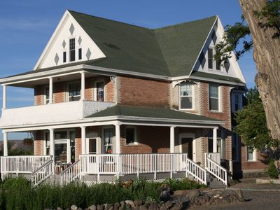 Clean & Cozy Country Apartment, attached to Mariner Mansion