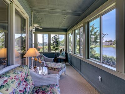 Waterfront Condo Near Beach