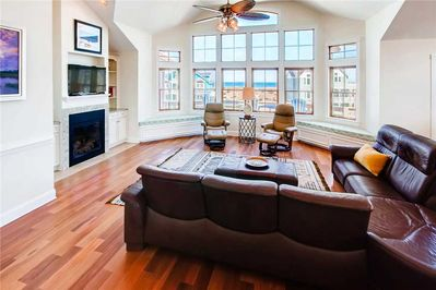Surf-or-Sound-Realty-Shooting-Star-685-Great-Room-6
