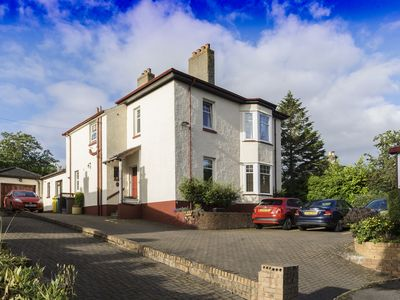 Photo for Edwardian House in Historic Dunfermline close to Edinburgh city centre