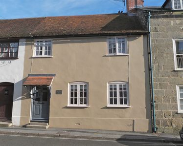 Photo for Listed cottage in the heart of Shaftesbury's Saxon area