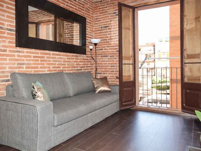 Photo for Sagrada Familia 4-1 apartment in Eixample Dreta with WiFi, air conditioning, balcony & lift.