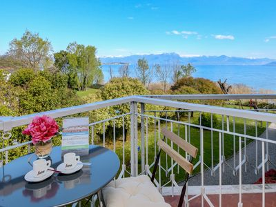 Photo for Costa D´Oro Deluxe Apartment - Apartment for 4 people in Sirmione