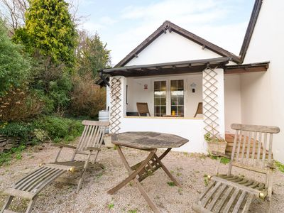 Photo for LILY COTTAGE, pet friendly, with pool in Marldon, Ref 1000577
