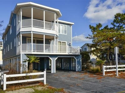 Photo for FREE ACTIVITIES INCLUDED! Great vacation home is just perfect for family get-togethers!  Spacious floor plan offers 8 bedrooms with 6 full baths